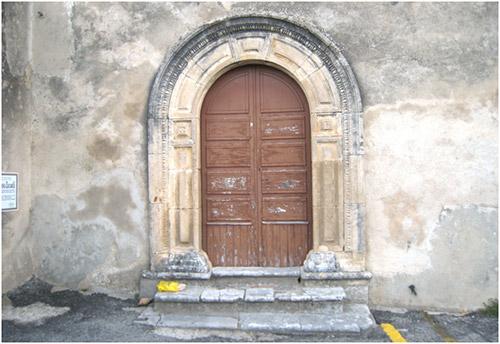 Portale laterale della chiesa di san domenico