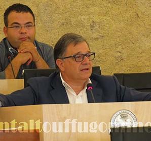 Conferenza-Stampa-Amministrazione-Comunale-del-18-ottobre-2014-Pietro-Caracciolo